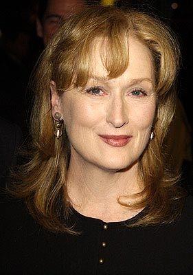 Meryl Streep 58 yaşında olmasına rağmen hala güzelliğini koruyor..